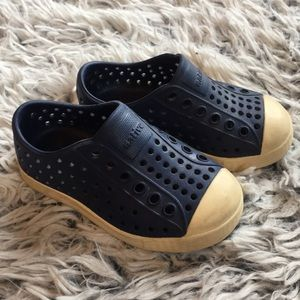 Baby Native water shoes in navy blue